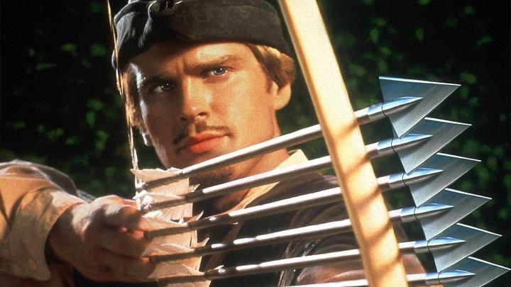 Una scena tratta dal film Robin Hood: un uomo in calzamaglia