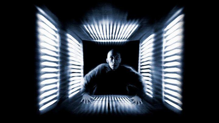Una scena tratta dal film Cube - Il Cubo