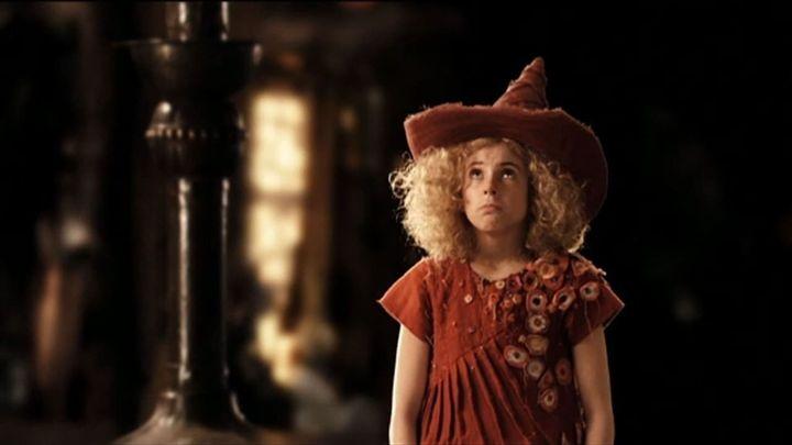 Una scena tratta dal film Fuchsia, una strega in miniatura