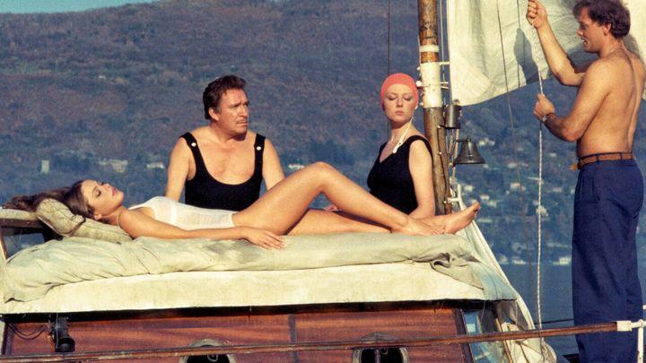 Una scena tratta dal film La stanza del vescovo