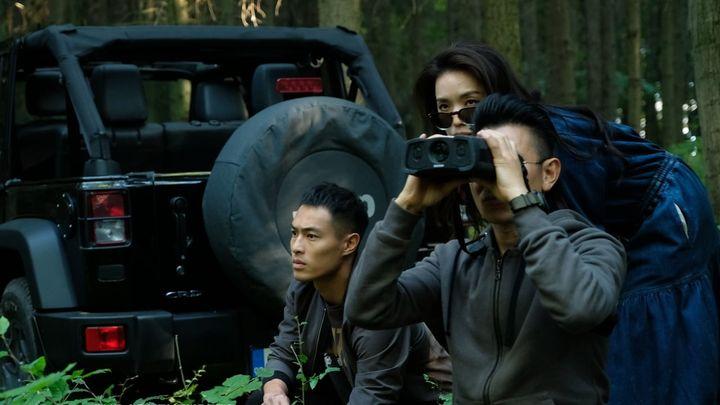 Una scena tratta dal film The Adventurers - Gli avventurieri