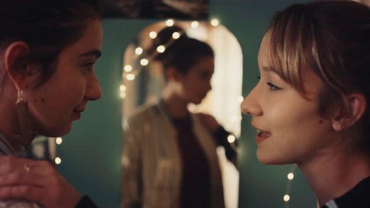 Una scena tratta dal film Succede