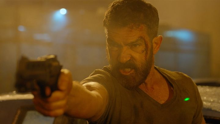 Una scena tratta dal film Security