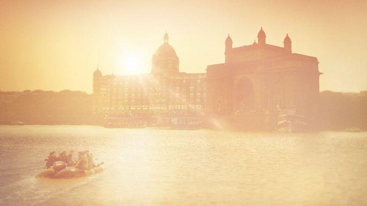 Una scena tratta dal film Attacco a Mumbai - Una vera storia di coraggio