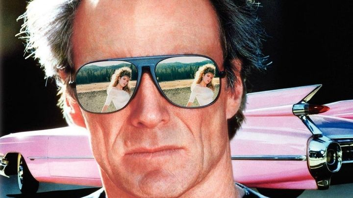 Una scena tratta dal film Pink Cadillac