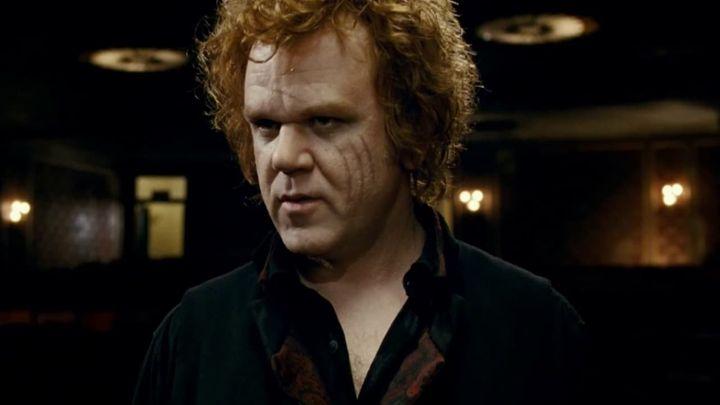 Una scena tratta dal film Aiuto Vampiro