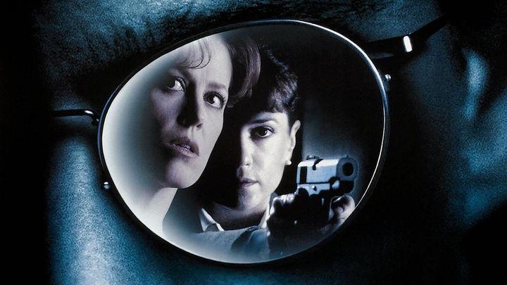 Una scena tratta dal film Copycat - Omicidi In Serie
