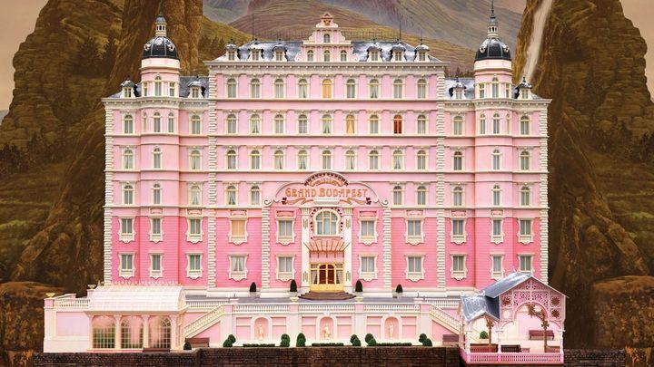 Una scena tratta dal film Grand Budapest Hotel