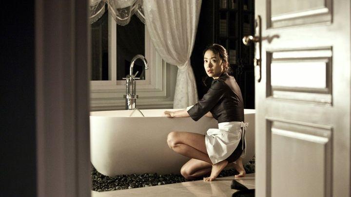 Una scena tratta dal film The Housemaid