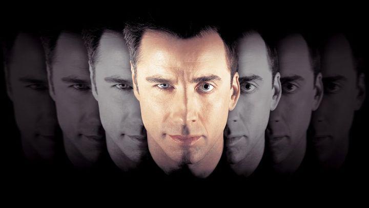 Una scena tratta dal film Face/Off - Due facce di un assassino