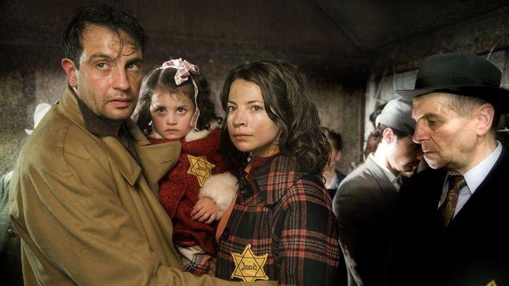 Una scena tratta dal film Süskind - Le ali dell'innocenza