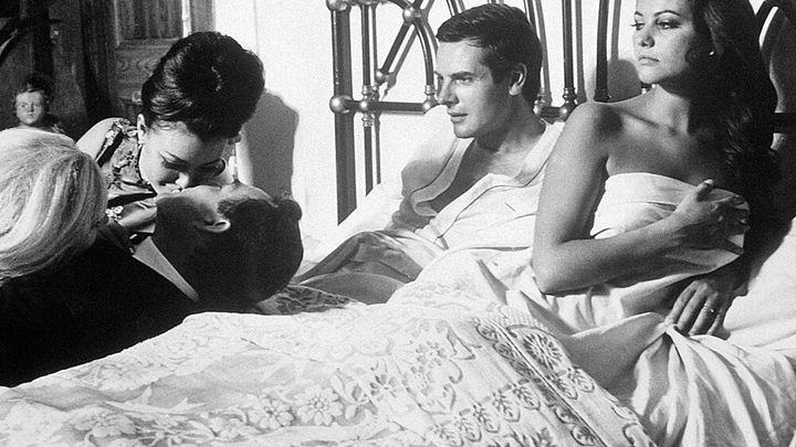 Una scena tratta dal film Il Magnifico Cornuto