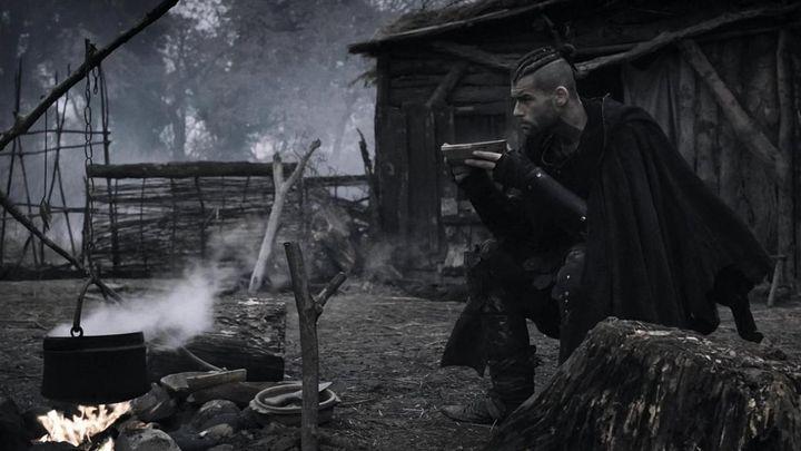 Una scena tratta dal film La spada della vendetta