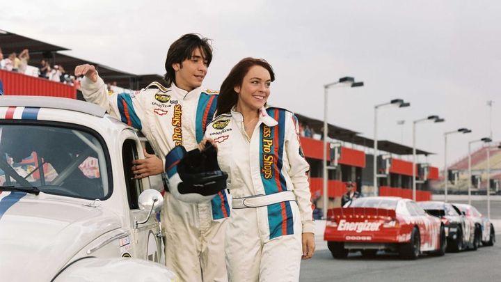 Una scena tratta dal film Herbie - Il super maggiolino